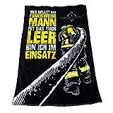 FIRE & FIGHT Streetwear Hier RELAXT EIN FEUERWEHRMANN | kuscheliges Oversize Frottee Sauna Strand- und Badetuch 175 x 100 cm