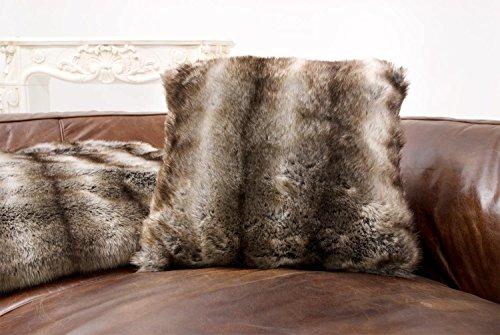 Fellkissen aus Webpelz Wolf grau-braun 45x45cm