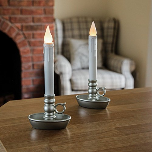 2 flackernde LED-Kerzen mit Ständer