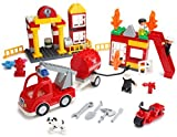 Play Builds Fire Station Building Blocks Set -86 pezzi - Include Vigili del Fuoco, Edificio, Autopompa, Motocicletta, Vigili del Fuoco & Boy Minifigures, Dalmata & Accessori Compatibile con LEGO DUPLO