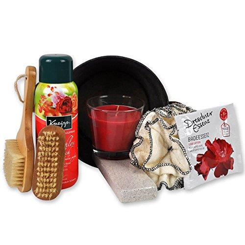 Handverpacktes Geschenk-Set Rosenzauber inklusive Dresdner Essenz Badesalz und Duftkerze sowie Badebürste plus Kneipp Pflegeschaumbad