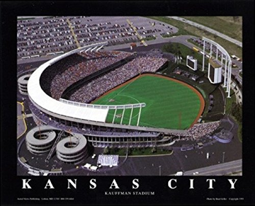 Kansas City Royals Kauffman Stadium (Brad Geller – Kansas City - Royals im Kauffman Stadium Poster Drucken (71,12 x 55,88 cm))