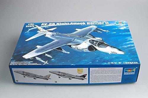 Trumpeter 02285 Modellbausatz AV-8B Night Attack Harrier II