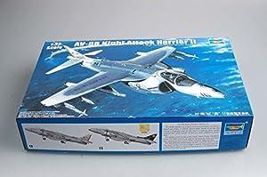 Trumpeter 2285 - AV-8B Night Attack Harrier II Importado de Alemania