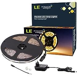LE Striscia luminosa LED 5m SMD2835 300LED Accorciabile, Divisibile, Collegabile per Decorazioni Interni Kit Completo 2 Connettori + Alimentatore Bianco caldo