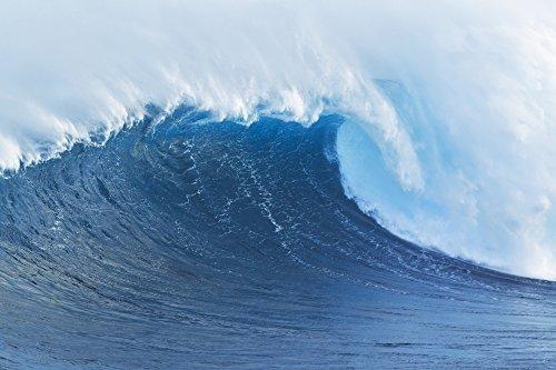 The Poster Corp MakenaStockMedia/Design Pics - Hawaii Maui Peahi Giant Wave Breaking at Jaws. Photo Print (48,26 x 30,48 cm)