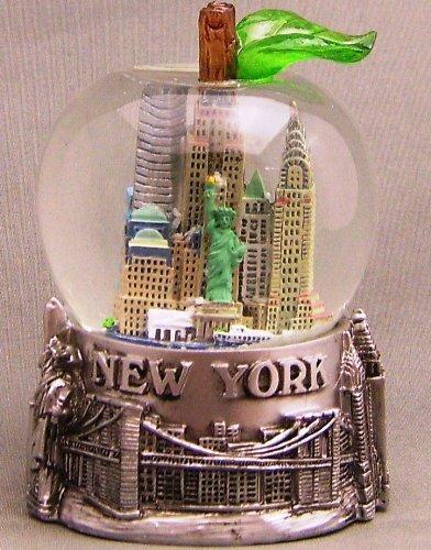 Modernes Schneekugel in der Form des Große Apfel NYC -