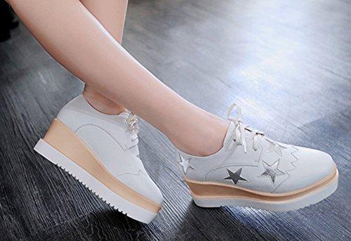 Aisun Damen Sterne Oxford Brogues Plateau Schnürhalbschuhe Sneakers Weiß