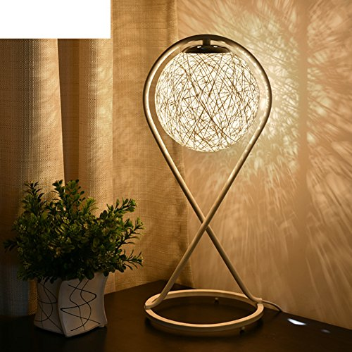 illuminazione minimalista moderna/ lampada da tavolo decorativa in rattan/La rotonda arte studio camera da letto lampada da comodino in Asia