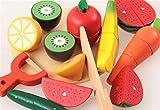 Simulación de las frutas y verduras madera niños juegan juguetes casa en el juego de cocina de cortar las verduras