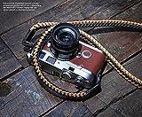 Barton 1972 | Handgefertigter Design Kameragurt aus Leder geflochten | Kamera Schultergurt Braided Style Holistic | Tragegurt: Schwarz Hellbraun/Beige | Kameraband | Trageriemen Länge ca. 105cm