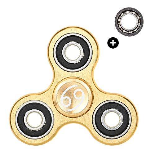 Preisvergleich Produktbild HIZOON Hand Fidget Spinner sensorisches Fokus Spielzeug | Finger Dekomprimierung | Stress und Angst Relief | Das perfekte Geschenk für Ruhe & Fokus | Aluminium Legierung | (Krebs Gold)