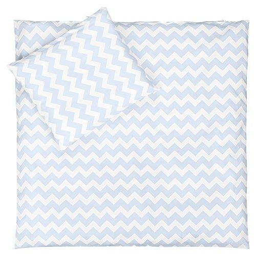 Sugarapple Babybettwäsche, 2 TLG. Set (35 Farben wählbar) mit Deckenbezug 80 x 80 cm und Kissenbezug 40 x 35 cm, Baby Bettwäsche aus 100% Öko-Tex Standard 100 Baumwolle (Zic-Zack hellblau) -