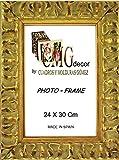 Portafotos de madera de pino CMGdecor con Grabado decorado RF F02 (24 X 30 Cm, ORO)