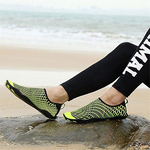 Eagsouni Chaussons Idéaux Pour Nager, Chaussures de Sport Aquatique, la Plongée et le Yoga dans la Plage, Pour Unisex Femmes Hommes Jaune B