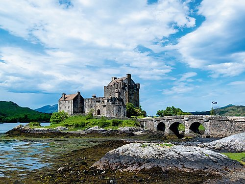 Eilean Donan Castle 1000 Teile Puzzle quer (CALVENDO Orte)