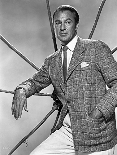 The Poster Corp Gary Cooper Posed in Suit with Hand on Pocket Photo Print (20,32 x 25,40 cm) (Gary Cooper-poster)