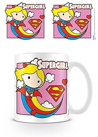 Set: Ligue De Justice D'Amérique, Supergirl Chibi Tasse À Café Mug (9x8 cm) + 1x Sticker Surprise 1art1®