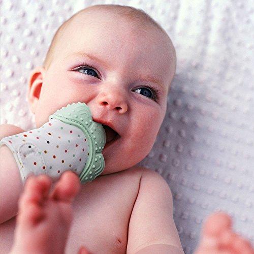INCHANT Guante de dentición para bebés Mordedor de silicona para las encías doloridas y alivio del dolor autoalimentario - con una bahía de viaje, verde menta, paquete de 1