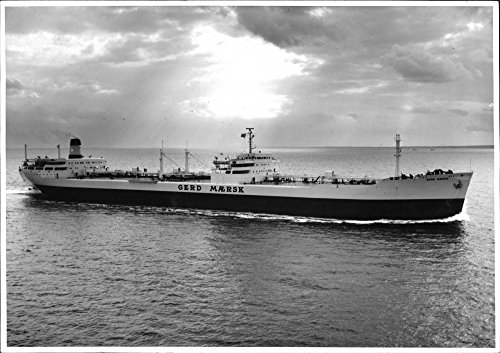 vintage-photo-of-the-tanker-gerd-maersk-delivered-from-kockums-to-dampskibsselskabet-svendborg-on-up