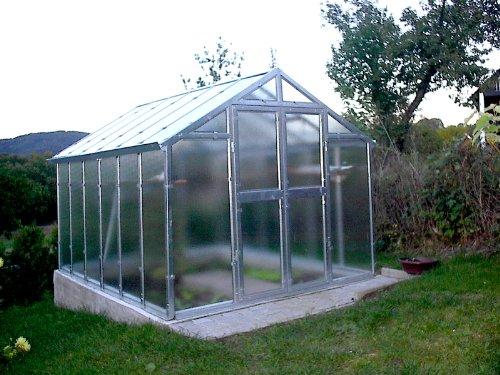 floristikvergleich.de Gewächshaus mit Glas unschlagbar stabil 2,5 x 3,05 m, Konstruktion Metall verzinkt