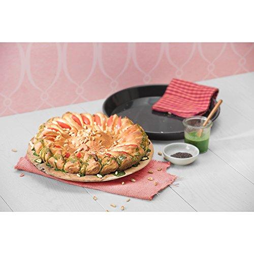 Kaiser Inspiration Pizza-/ Backblech rund Ø 28 cm antihaftbeschichtet schnittfester Emaille-Boden spülmaschinengeeignet formstabil
