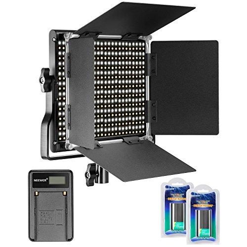 Neewer Dimmbares Bi-Color 660 LED Videolicht 3200-5600K mit U Halterung und Barndoor, 2 Li-Ionen-Akku und USB-Ladegerät für DSLR Kamera Studio Fotografie, YouTube Video-Aufnahmen - Kamera Videoaufnahmen Für