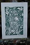 La lechuza de color verde oscuro, linograbado-Grabado artístico original de Davide Pacini tamaño impresos a mano cm 20,9x29,8 cm.Hecho en Italia, Toscana,Lucca.