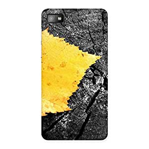 Gorgeous Lonely Leaf Multicolor Back Case Cover for Blackberry Z10