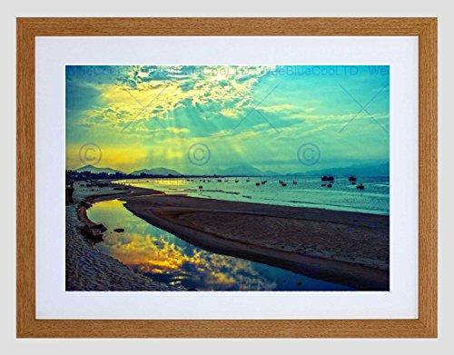 Preisvergleich Produktbild NATURE VIETNAM DANANG SUN BEAM CLOUD SEA BLUE GREEN R FRAMED PRINT B12X4082