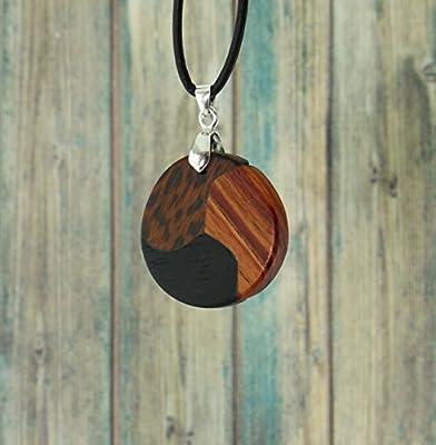 Collier trio de bois précieux. Collection Les Elégantes