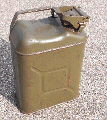 2 Stück Belgische Ölkanister Benzinkanister oliv gebraucht