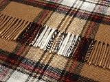 Stewart beige marrón a cuadros de tartán de lana alfombra de viaje picnic manta - Highland Tweeds
