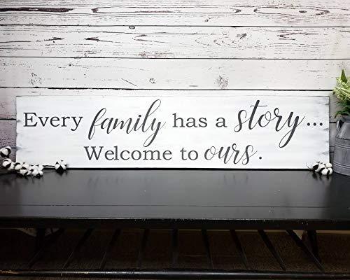 qidushop Schild Every Family Has A Story Welcome to Ours, inspirierendes Familienschild, christliches modernes Bauernhaus Zuhause, Holzschild, lustig, handgefertigt