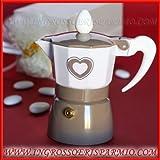 Espressokocher aus Aluminium emailliert taupe mit einem Herz bedruckt und einer Tasse–Gastgeschenk für Hochzeit
