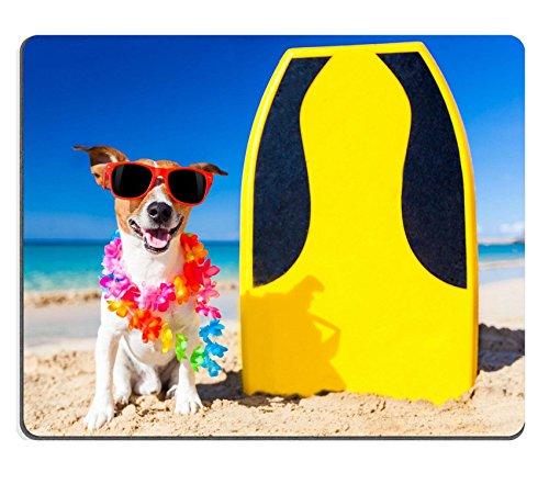 luxlady Gaming Mousepad Bild-ID: 32759957Hund am Strand mit einem Surfbrett tragen Sonnenbrille und Blume Kette in the Ocean Shore