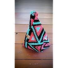 Mochila de crochet de una sola asa. Estilo wayuu.