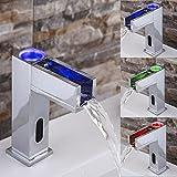 FAYM-LED beleuchteter Wasserfall Wasserhahn Kupfer Wasserhahn warm / kalt Waschbecken Sensor Wasserhahn