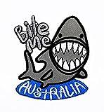 rabana Bite Me Australien Great White Shark Fisch Cartoon Kinder Patch für Heimwerker-Applikation Eisen auf Patch T Shirt Patch Sew Iron on gesticktes Badge Schild Kostüm