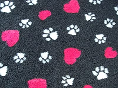 """PnH Veterinary Bedding ® NON SLIP 100cm x 76cm (40"""" x 30"""") - 8 Different Designs and Colours, (Charcoal With Pink Hearts) - READY TO USE, SELVAGE EDGE REMOVED. by Pet n Home"""