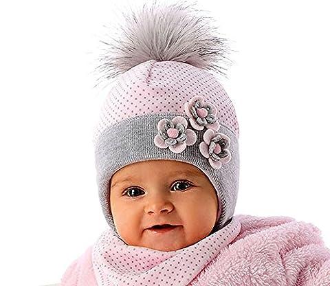 Marika Baby Mädchen Winter Set Mütze Bommel Halstuch Rosa Grau Größe 46