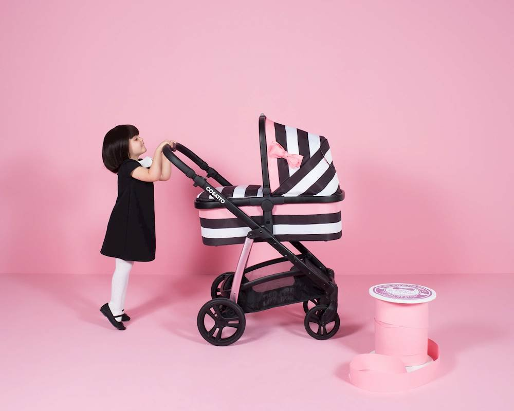 Cosatto Wow Pram and Pushchair, from Birth Carrycot and Pushchair Suitable upto 25 kg, GoLightly 3 Cosatto Backed by science, Cosatto prams are ideal for your baby; the patterns in Cosatto hoods are designed to stimulate your baby with bright, eye-catching colour and storytelling pattern Includes the from-birth carrycot (suitable for occasional overnight sleeping), then swap to pushchair unit, suitable up to 25 kg, with parent and world facing options and four recline positions Easy one-handed features, push-button carrycot removal, seat recline and calf support 6