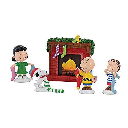 Department 56 Peanuts Strümpfe wurden Satz Figuren gehängt rot (Familie Strümpfe Weihnachten)