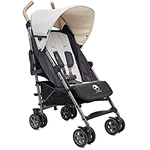 Easywalker Buggy Classic Breton Izmi Use from birth (3.2kg-15kg), new born cushion inserts included with carrier Includes mesh panel to increase ventilation and keep your baby cool in warmer weather 4 carrying positions: front carry, outward facing carry, hip carry or back carry 8