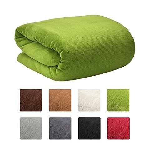 Beautissu Couverture polaire Couvre-Lit Aurelia 220 x 240 cm - Plaid jeté de canapé tres Doux - ÖKO-TEX - Vert