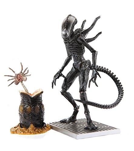 Diamond - Figura Alien Soldado Xenomorph 1