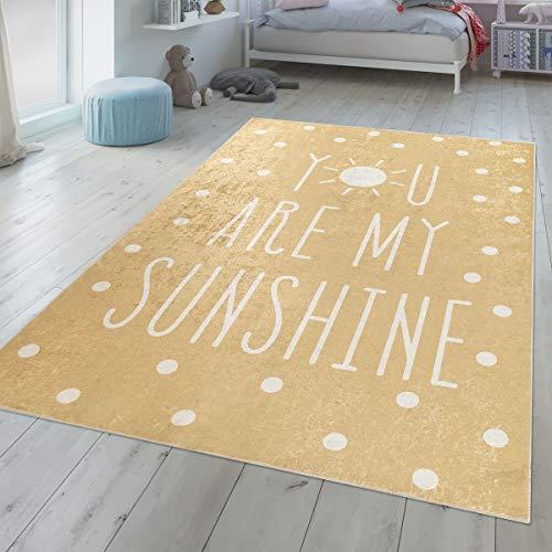 TT Home Alfombra para habitación Infantil, Lavable, fácil de Limpiar, diseño de Lunares, con Texto en Amarillo, Blanco, 120x160 cm