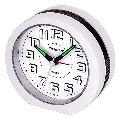 Yadelai Nicht Tickende Reise Analoger Wecker,3D-Nummer Display Nachttisch Uhr (Weiß)