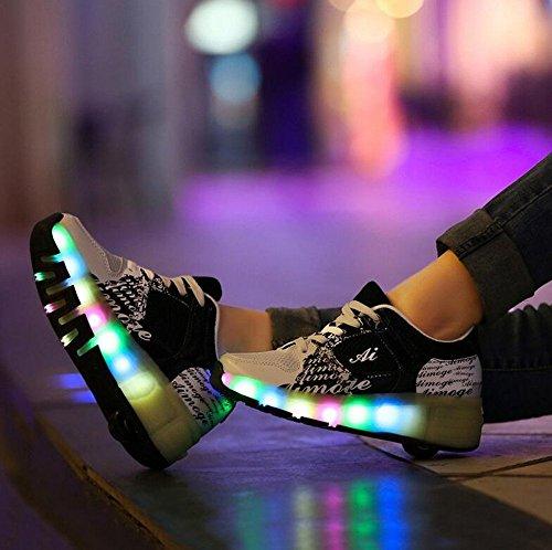 Zapatillas-infantiles-con-ruedas-y-LED-color-azul-rosa-y-negro