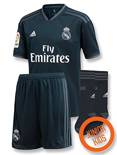 6d01884dc Real madrid football club prints the best Amazon price in SaveMoney.es